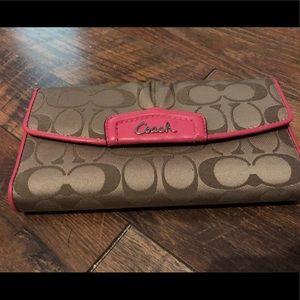 Ladies Coach wallet